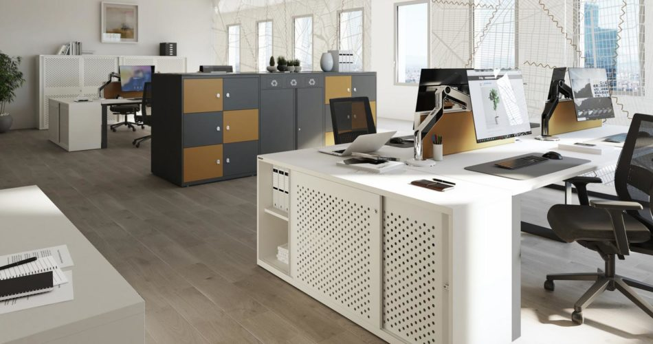 How deep and wide should an office desk be? 1